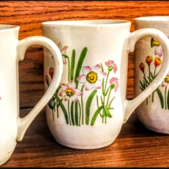 Group of 3 Vintage Stoneware Japan Mugs